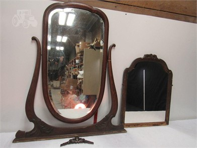 A End 2 Vint Wooden Vanity Mirrors Other Items For Sale 1