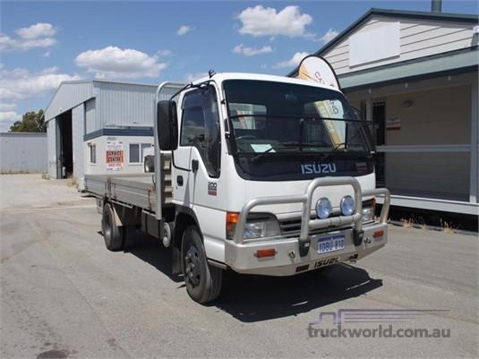 2005 Isuzu NPR200 - Trucks for Sale