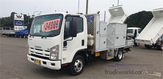 2009 Isuzu NPR300 - Trucks for Sale