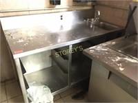 5' x 30 S/S Work Table w/ Tray Storage & Hand Sink