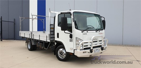 2009 Isuzu NPR 200 - Trucks for Sale