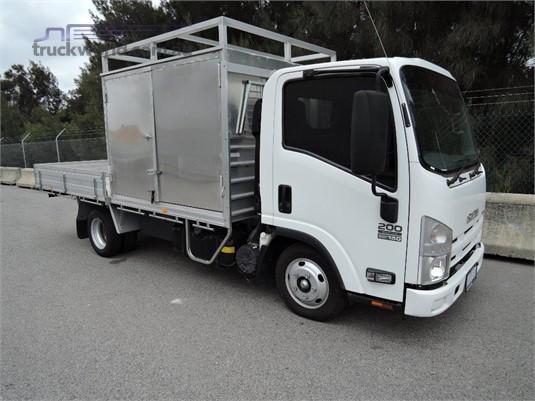 2014 Isuzu NLR 200 - Trucks for Sale