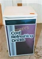 Vending pop fridge - DCR120WE-NY