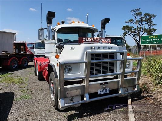 1981 Mack R300 - Trucks for Sale