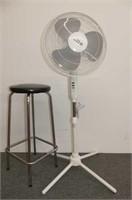 Comfort Zone Oscillating Pedestal Fan, Chrome & Bl
