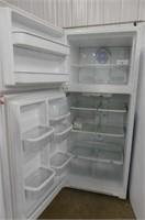 Amana Refrigerator  Model ATB1836AR