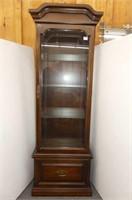 Curio Cabinet w/Glass Shelves & Sides, Light