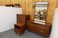 5 Drawer Chest, Night Stand, Dresser w/Mirror