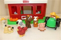 Fisher Price Barn w/Farmer, Tractor, 9 Animals