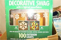 Décor--Lighted Snowflake Swag, Christmas Tins, Rus