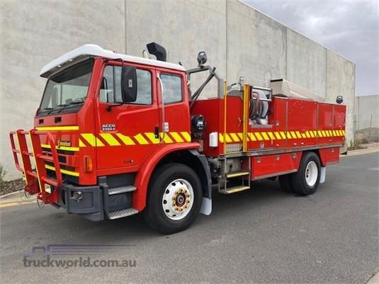 2001 International Acco 2350G - Trucks for Sale