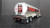 ERTL INTERNATIONAL TRACTOR TEXACO TANKER