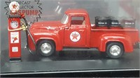 1956 FORD 100 WITH TEXACO PUMP