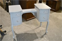 Dressing Table - no mirror