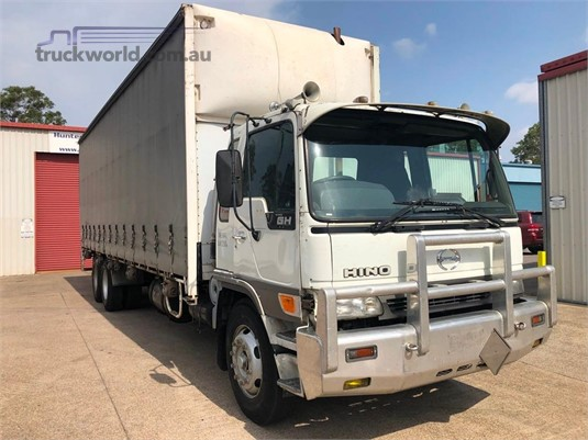 2000 Hino GH - Trucks for Sale