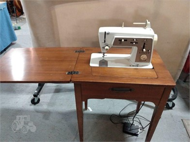 Vintage Singer 646 Sewing Machine Table Other Items For Sale 1