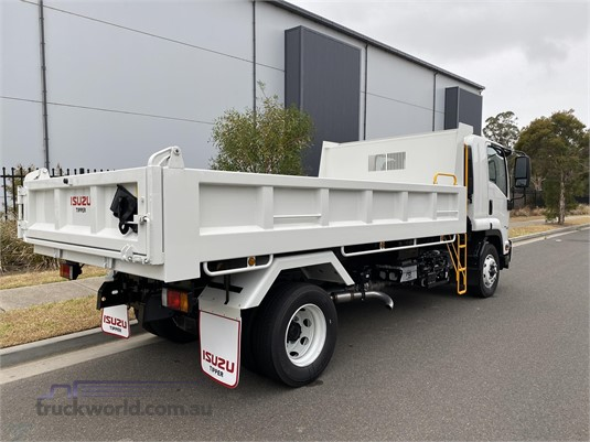 2020 Isuzu FSR Gilbert and Roach - Trucks for Sale