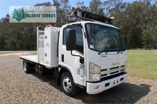 2011 Isuzu NPR 400 Premium Midcoast Trucks - Trucks for Sale