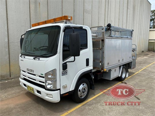 2013 Isuzu NPR 200 Short Truck City - Trucks for Sale