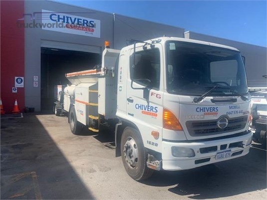 2005 Hino 500 Series - Trucks for Sale