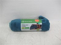 Gaiam FFLD62918003 Stay-Put Yoga Mat Towel, Lake