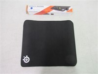 SteelSeries QcK Gaming Surface - Medium Stitched