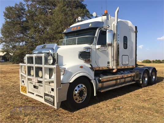 2013 Freightliner Coronado 114 - Trucks for Sale