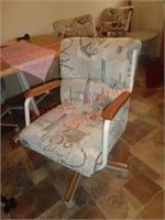 Kitchen Table with 4 Rolling Chairs