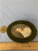 Lovely vintage picture frame, with velvet face, ma