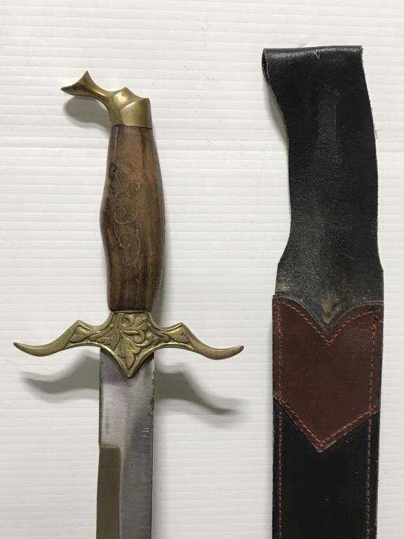 Pakistan Sword W Wood Metal Hilt Scabbard Mtc Online Auctions