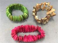 Lot of 3 abalone shell stretch bracelets (M 613)