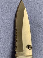 Folding pocket knife featuring Southern Pride