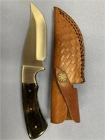 Fixed blade skinning knife with horn handle, steel