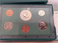 1997 uncirculated bank set coin currency