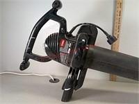 >Toro rake and vac, no bag, works