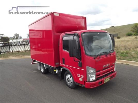 2012 Isuzu other - Trucks for Sale
