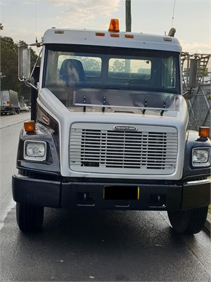 1997 Freightliner FL80 - Trucks for Sale