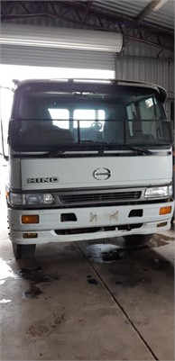2000 Hino GH1J - Trucks for Sale