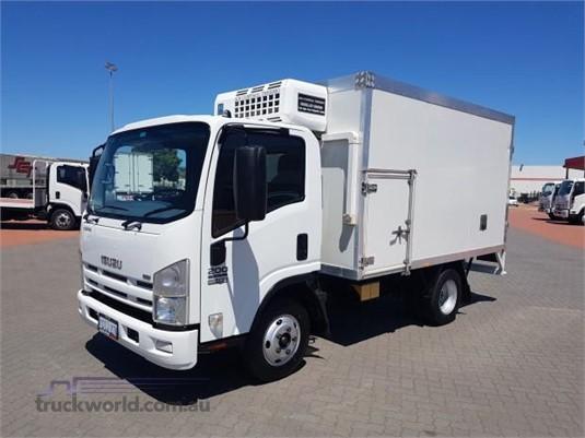 2010 Isuzu NPR 200 - Trucks for Sale