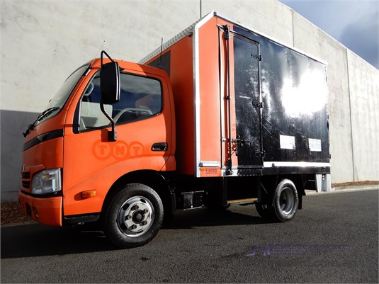 2007 Hino Dutro - Trucks for Sale