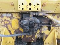 CAT D5B Crawler