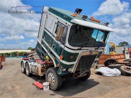 2000 Kenworth K104 - Wrecking for Sale