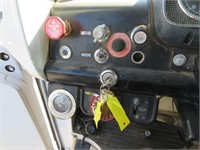 (DMV) 1985 Ford Utility Auger Truck