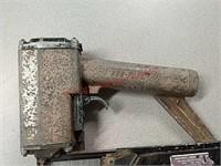 Duo fast staple gun. Untested.