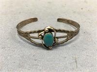 Beautiful sterling silver Navajo bracelet, with tu