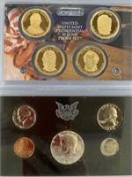 Lot of 2- Mint proof sets, 1969S , 2009 presidenti