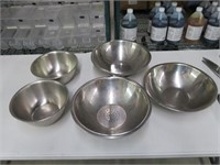 (5) Assorted S/S Mixing/Collander Bowls