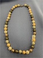 Beautiful multi-color strand of pearls      (T 1)
