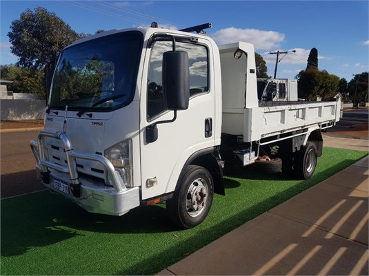 2012 Isuzu NPR 300 - Trucks for Sale