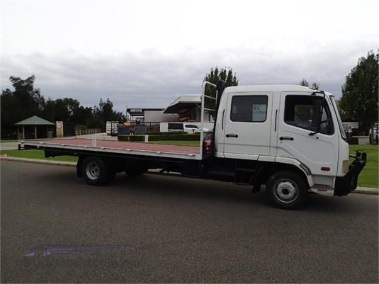 2009 Mitsubishi Fighter - Trucks for Sale